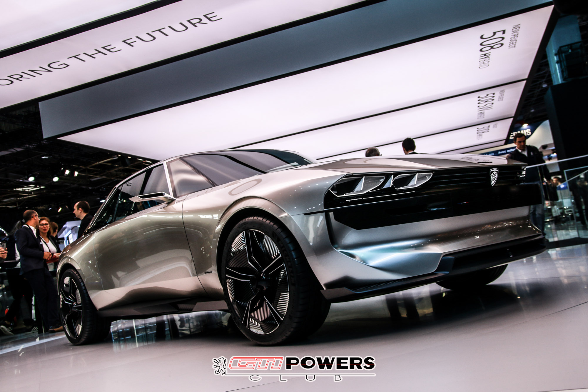 Mondial de l'Auto 2018 : Peugeot sort ses griffes